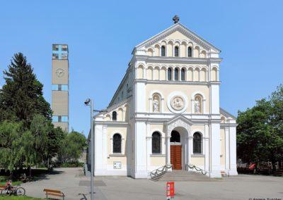 Kaisermühlen - Herz-Jesu-Kirche